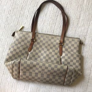 Handbags - Louis Vuitton Tote